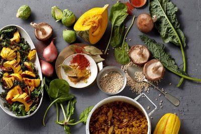 תמונה של מאכלים בריאים- בשר, ירקות ועוד